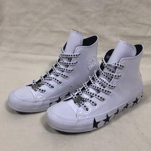 NWOB ConverseXMiley Cyrus Chuck Taylor size: 6